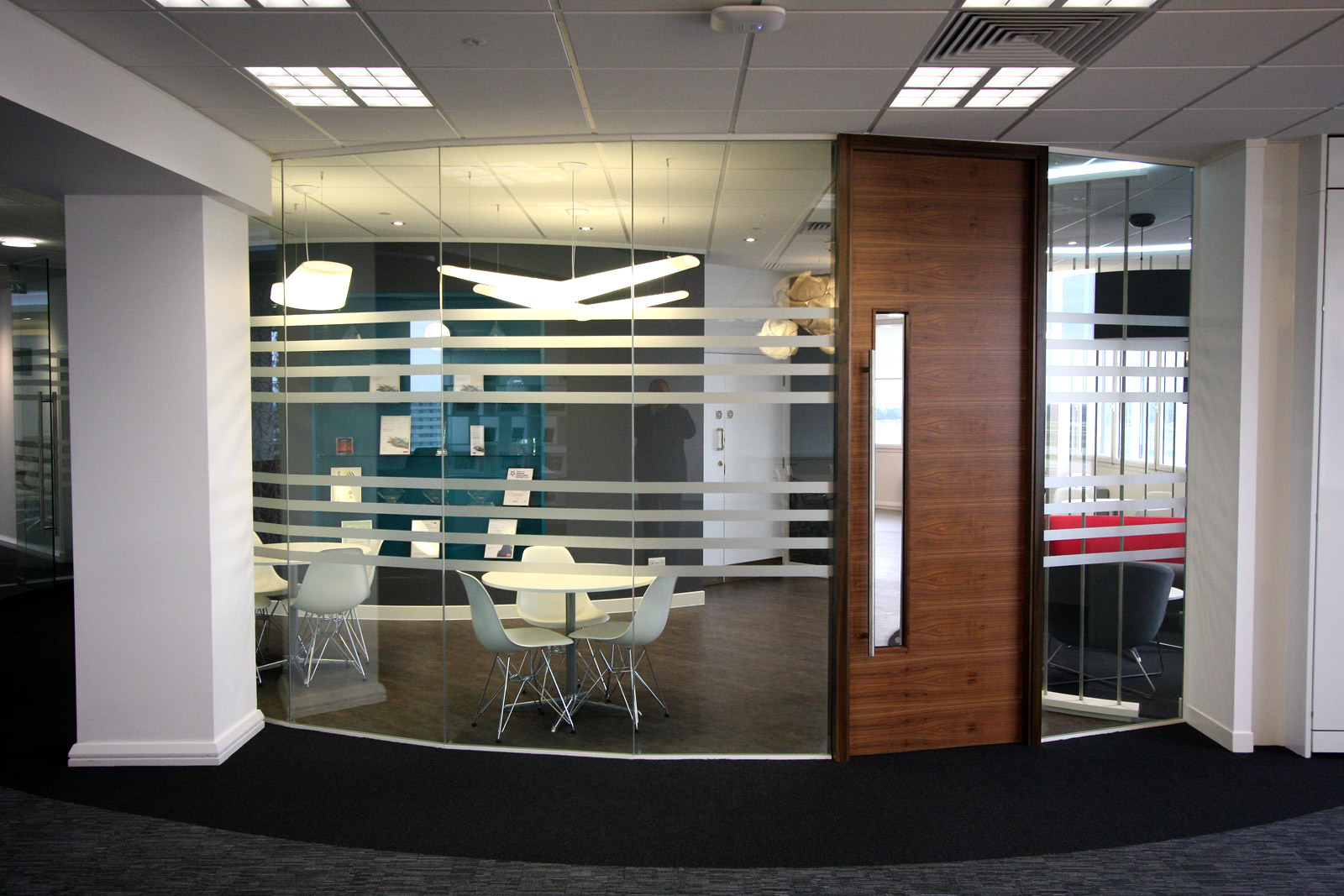 Different Types and Styles in Office Partitions
